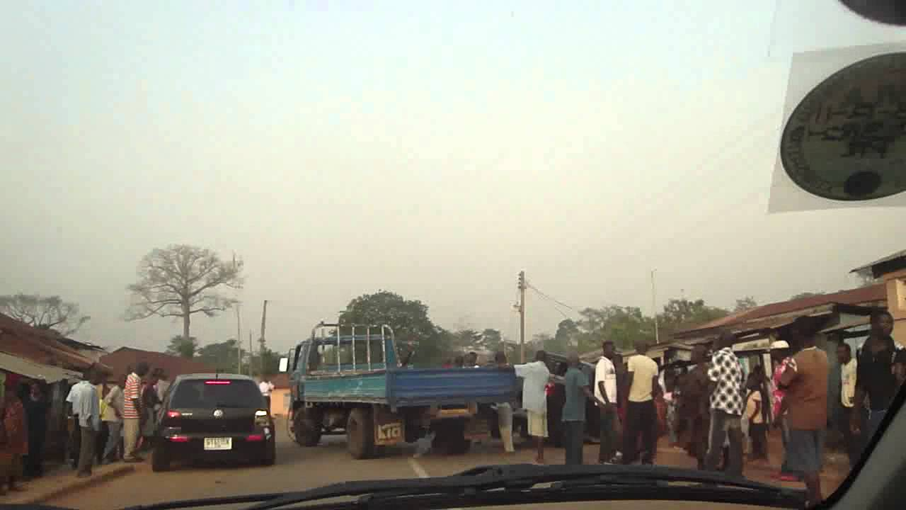 Ghana Agogo Konongo road accident video by orlando - YouTube