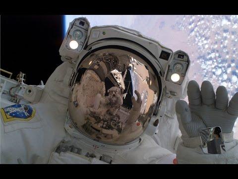 Космонавты МКС прогулялись в открытом космосе