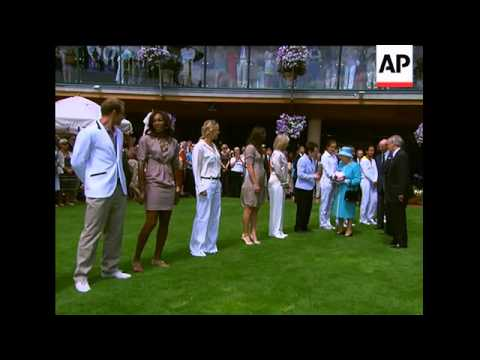 Queen at Wimbledon for first time since 1977, meets players