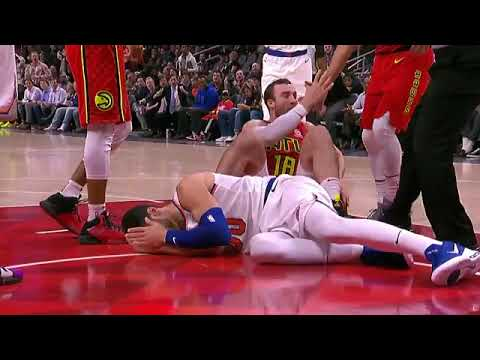 Miles Plumlee uses a WWE move on Enes Kanter