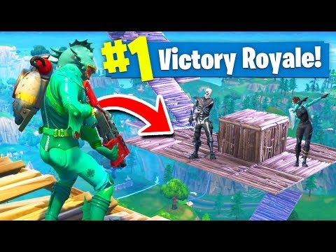 *EPIC* SKY BASE BATTLE In Fortnite Battle Royale!