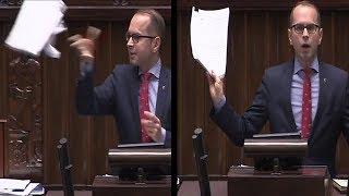Klaun obudził się w pośle Platformy - M. Szczerba rzuca ustawami Prezydenta i próbuje zrobić show