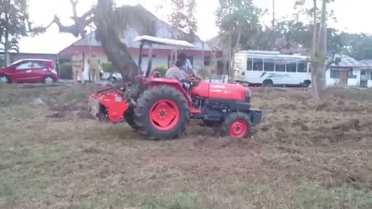 traktor kubota l4400 paki rotari tiler youtube. Black Bedroom Furniture Sets. Home Design Ideas