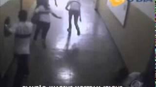 Massacre em Realengo: Imagens de circuito interno mostram a ação do atirador