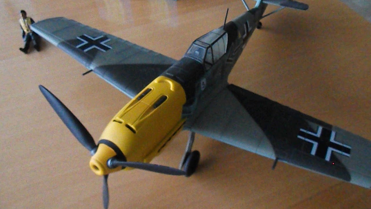 The same 21st century toys aircraft that