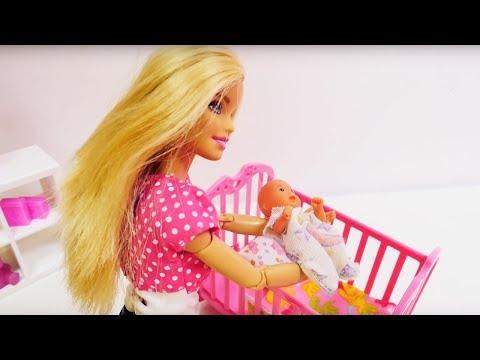 Обзор игрушек. Кроватка для ребенка Барби
