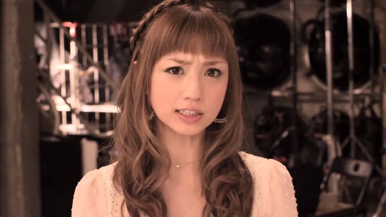 眉間にしわを寄せてても可愛い小倉優子
