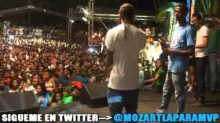 Mozart la Para se la va al Bollo Lirical Con 2 Freestaleros en el Carnaval del Malecon
