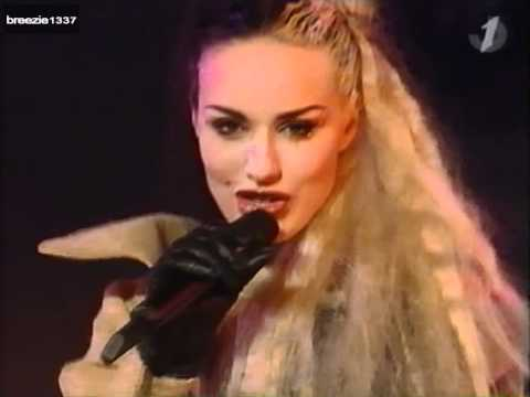 2 Fabiola - Freak Out (Live in...