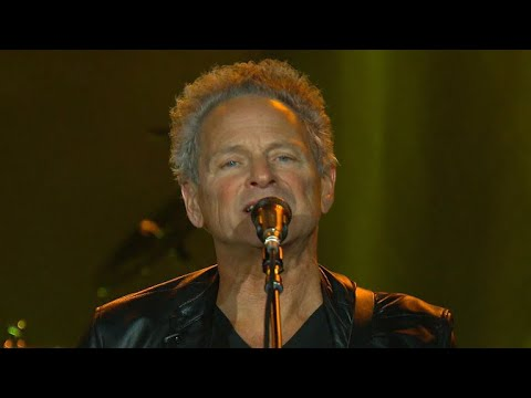 Lindsey Buckingham says he and Fleetwood Mac have settled lawsuit