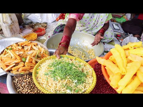 Amazing Hard Working Old Granny Selling Kachha Chivda Since Last 40 Years | God Bless Her