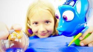 Видео для детей. Распаковка рыбок Дори и Немо