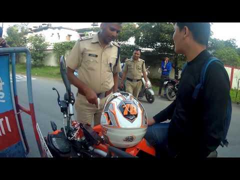 Coolest & Curious Cops Of Dehradun | Hind Moto