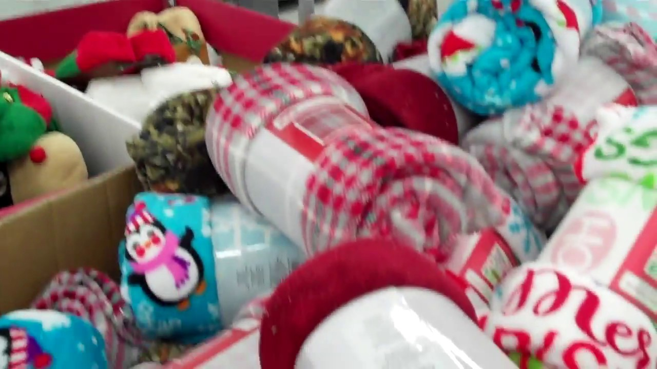 Holiday Slippers And Throw Blankets At Walmart 2017 Youtube