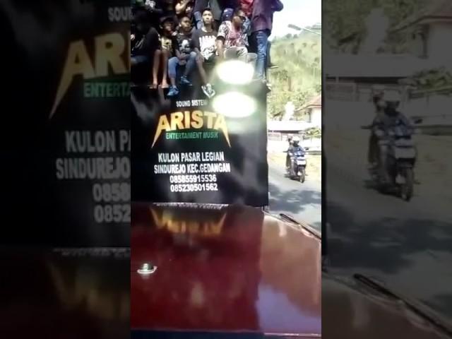 detik detik mobil sound terguling di pletes sumbermanjing wetan