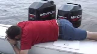 Man crashed on speed boat horribly!!!