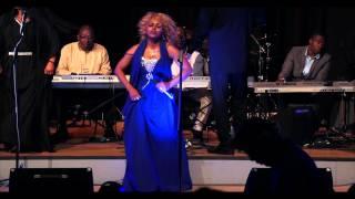 Sis Maneli Ft Luyanda Jezile - Njalo ( Ngonyama Live Concert London 2014 )
