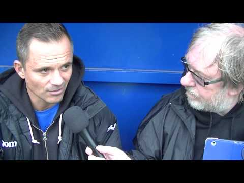 Neil Kitching speaks with Gary Hazlehurst after 2 Nil defeat by Leek Town 25/08/14