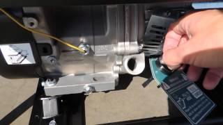 Заправка моторным маслом бензиновой мини электростанции(, 2016-03-29T13:21:08.000Z)