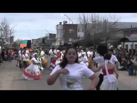 SAMBURU MORAN , Desfile de Primavera en Fray Bentos - Uruguay