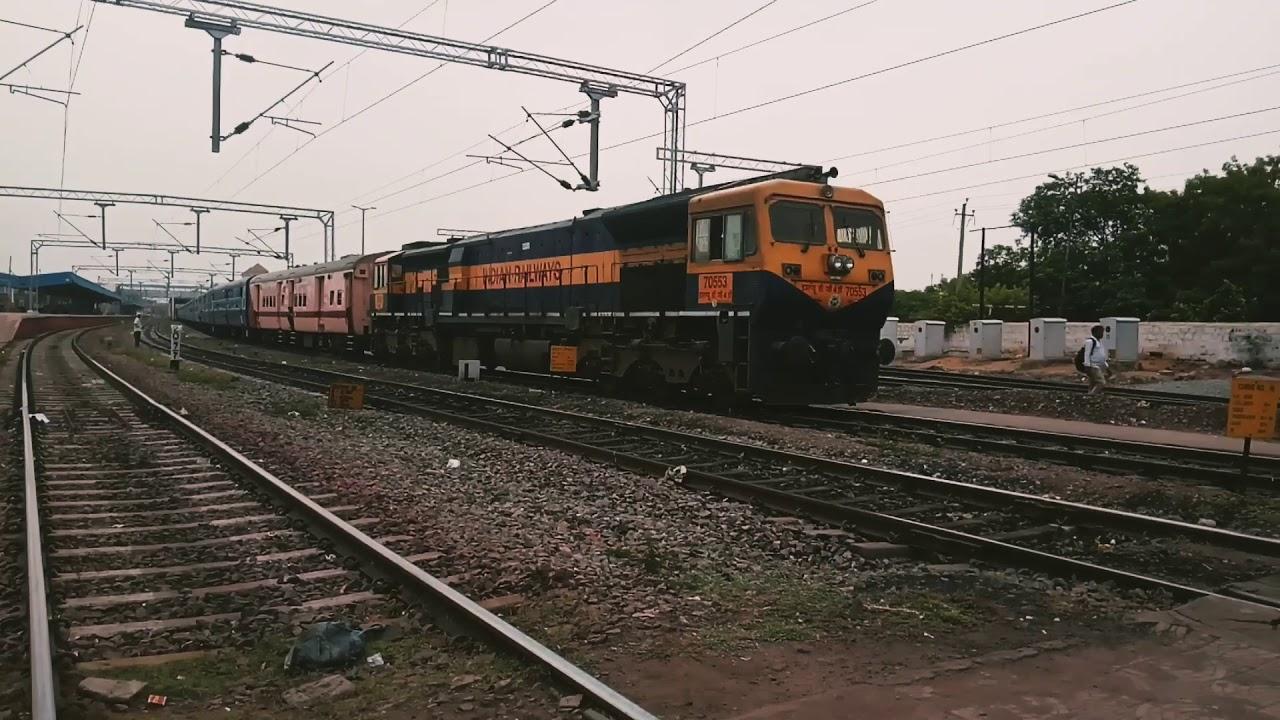 Download 11303 /Shahu Maharaj terminus Express From Manuguru lead by #Offlink #Pune_WDG4D With one Utkish SLR
