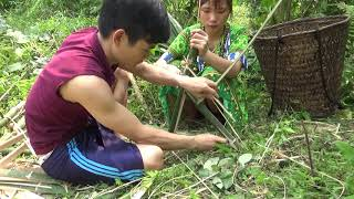 Survival skills - Make primitive trap and Cooking wild chicken for Eating delicious
