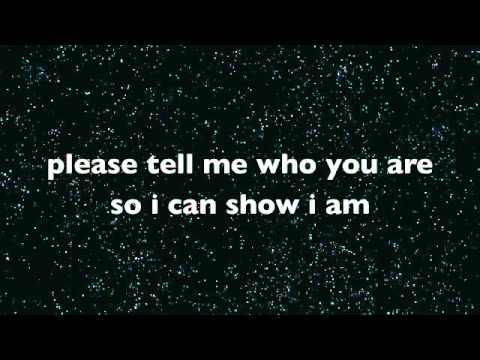 Avril Lavinge -  Stop Standing There - lyrics