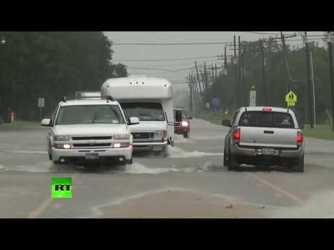 Texas : images des inondations dans la ville Beaumont après le passage d'Harvey (Direct  du 30.08)