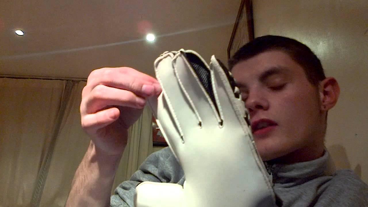 Adidas predator training goalkeeper gloves - YouTube ef971f3fdc87
