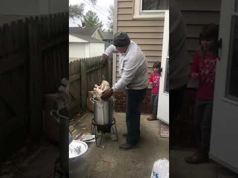 """The Rod Ryan Show - Thanksgiving: Turkey Frying Dad Screams at Kid to """"Stay Inside""""!"""