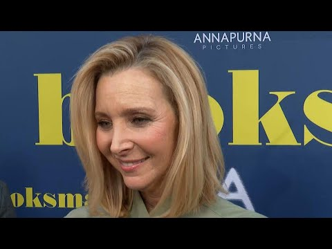 Lisa Kudrow Reveals Why She Doesn&39;t Watch Friends Reruns Exclusive