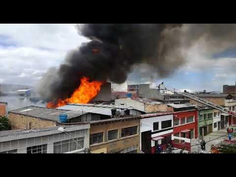 Voraz incendio en Kennedy, al sur de Bogotá | Blu Radio