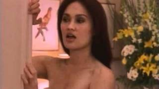 Sydney Fox (Tia Carrere) sexy hotel fight