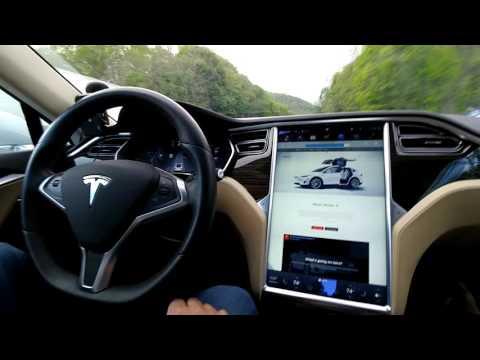 Tesla Model S Hindi