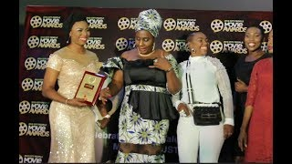 Gbajumo Osere Dances Shaku Shaku As She Collects Award While Her Family Friends Joins Her On Stage