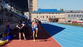 Дженнифер Акиниймика побеждает в третьем забеге на 100 м Командного чемпионата России 11,95