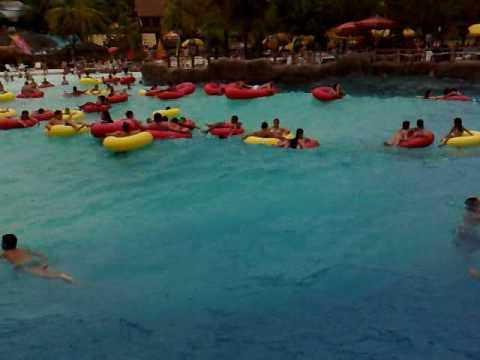 Porfirio ol mpia piscina com ondas youtube for Olimpia piscina de onda