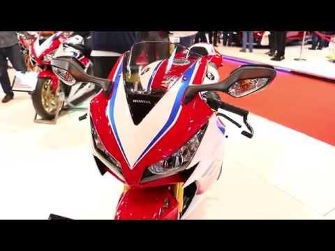 2016 Honda CBR1000RR eC-ABS 'TT' Edition Akrapovic Exhaust Walkaround @ Motorcycle Live 2015