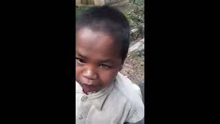 Orang Sunda lucu , anak meminta uang bicara bahasa Sunda dengan logat yang lucu