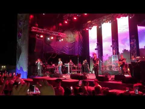 Лепс на фестивале Звезды Русского радио