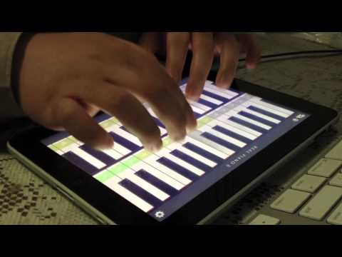 Play Harry Potter Hedwig's Theme using Real Piano HD Pro on iPad