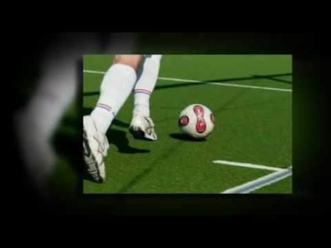 サッカーボールは子供を笑顔にする贈り物