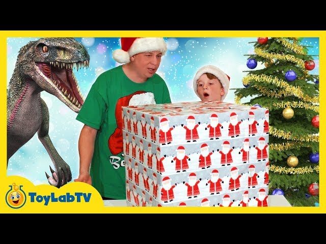 How The Grinch Stole Christmas & Lost! Kids Nerf showdown with Santa & Jurassic World Dinosaur Toys