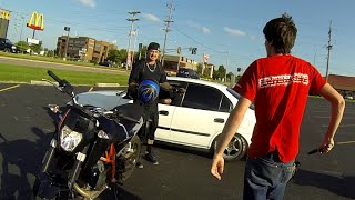 Repeat youtube video Stolen Motorcycle Chase KTM690 Duke VS WR450 supermoto. Stops after he cant shake the supermoto