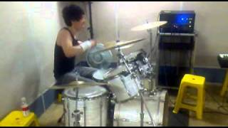 Playing song whenever I want to put a drum break. Maybe I can not p...