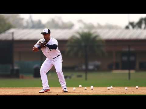 Watch Tigers shortstop Jose Iglesias field ground balls like it's 2013