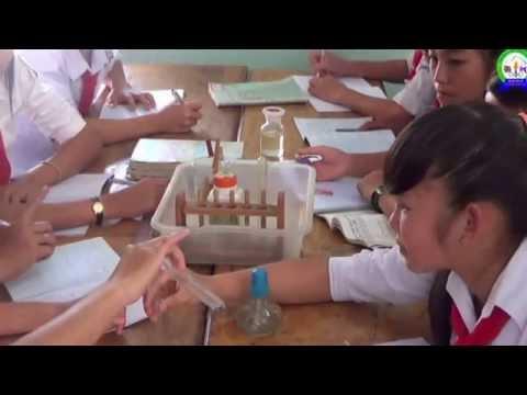 """Tiết dạy áp dụng phương pháp """" Bàn tay nặn bột"""" môn Hóa học"""