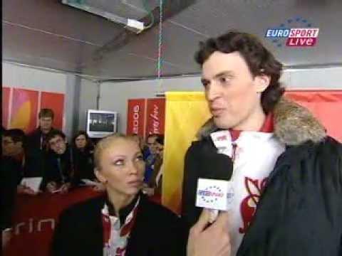 Tatiana Totmianina and Maxim Marinin 2006 Olympic02-20-1_medal_ceremony