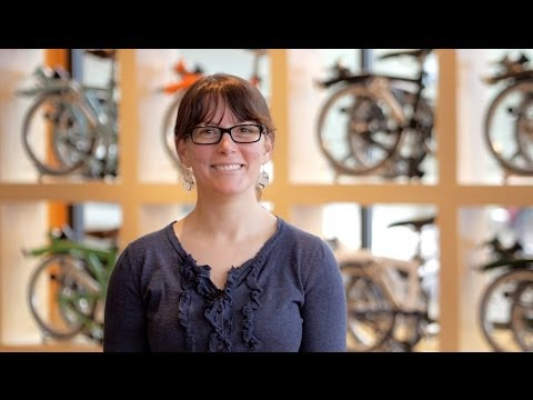 Brompton Bicycle -- Amy demonstrates folding & unfolding a Brompton
