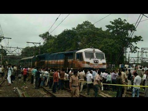 Locomotive of 12618/mangla LAKSHWADEEP express derails at kalyan causing major problem in CR
